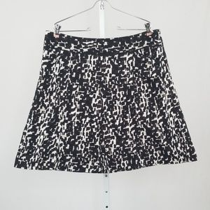 Ann Taylor Black and White A-Line Style Skirt 16